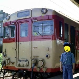 オヤジカメラ汚写真 たぶん1975年頃の国鉄岐阜駅 クモニ・字だけマーク