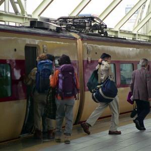 電車なのに船酔い状態。381系特急しなの・お名残乗車記。