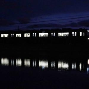 夜間も沁みない、ナゲーのフーケー 恒例の夜間木曽川水鏡