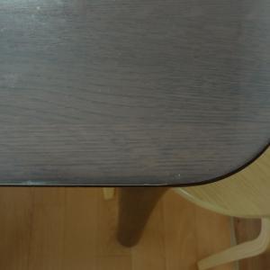 子育て中のテーブルにぴったりや透明マット
