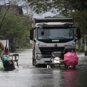 台風で1人が死亡、数千人が避難