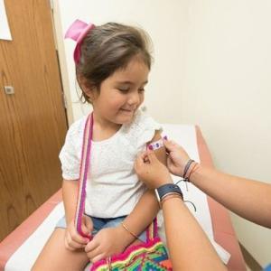 一般成人への接種が終わって無いのに子供にワクチン接種か?