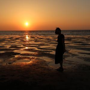 鹿港で老街とガラスの廟と台湾のウユニ湖超えの夕焼け満喫して来た。