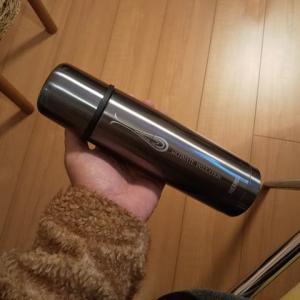 THERMOSの水筒