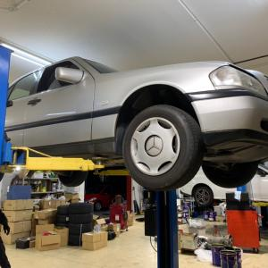 ベンツエンジン不動の修理