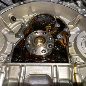 エンジンオイル漏れ