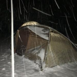 春なのに、強制雪中ソロ!