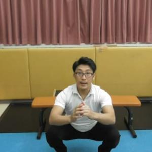 しゃがんだ際の股関節の詰まりを取る方法の動画を編集中