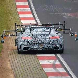様々なセンサーを付けたメルセデスAMG GT Rブラックシリーズがニュルブルクリンクでテスト