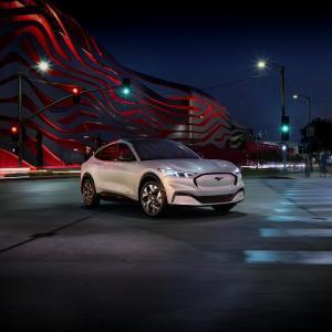 【R.I.P TESLA】フォード・マスタング・マッハEついに公開!本格的に電気自動車が盛り上がってきたな!