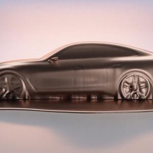 BMWコンセプト i4の最初のティザーが公開。これもクソデカグリルなのか?