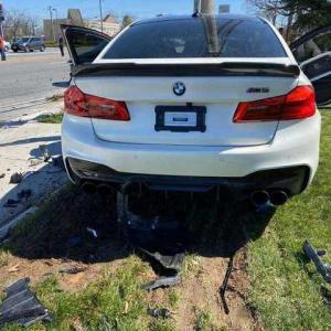 納車後わずか11km走行した後BMW M5をぶっ壊す可哀相なオーナー現る
