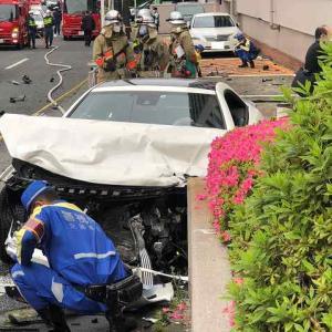【GTAかよ】メルセデスベンツSLで運転中、職質から信号無視して逃亡しひき逃げして中川真理紗容疑者逮捕