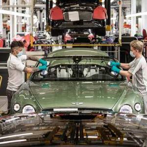 【終わりの始まり】高級車ブランド ベントレーで従業員の4分の1をリストラを発表