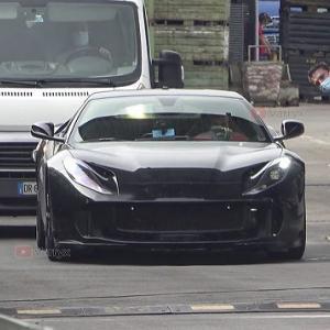 【オモロガータではなかっただと!?】再びフェラーリ812GTO開発車両が目撃される