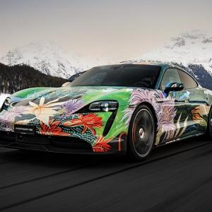 芸術家を支援する為のチャリティオークションにポルシェタイカンアートカーが出品