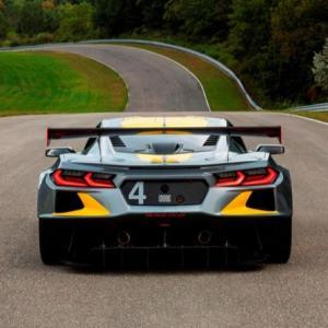 まるでフェラーリの様なサウンドのC8コルベットZ06プロトタイプのローンチスタート ほか