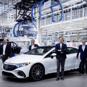 メルセデス製最高級電気自動車EQSが生産開始&V12エンジンを搭載するS680マイバッハが公開