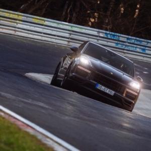 【カイエン乗りてぇ】ポルシェカイエンクーペターボGTがニュルでSUV最速記録を更新