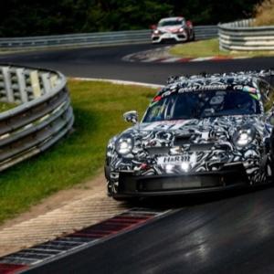 ニュル耐久シリーズで新しいポルシェ911GT3カップがデビュー