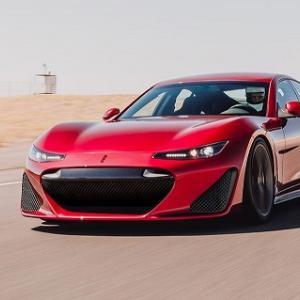1200馬力を発揮するスーパーセダンDrako GTEがデビュー。なんかどっかでみた事あるデザインだな