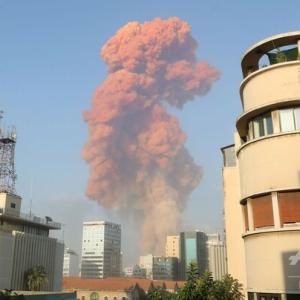 レバノンの首都ベイルートで大規模爆発 死傷者多数