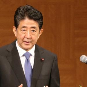 首相会見「官邸職員が記者の腕つかむ」朝日新聞社が抗議 官邸側は否定