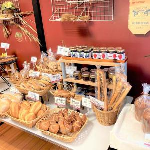 【長野市】ヴァイツェン ~レアなドイツパンがお手頃価格で♪選ぶ楽しみもあります~