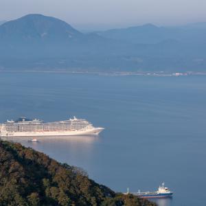 10月2日 MSCスプレンディダ寄港【函館山山頂で】