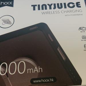 【Tinyjuice】吸盤で貼り付くワイヤレスモバイルバッテリーのレビュー