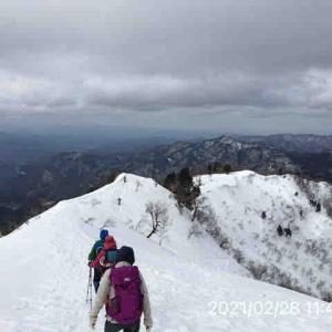 氷ノ山登山 【雪庇】