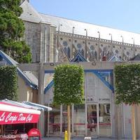 シモーヌ・ヴェイユ広場 <オフィス・ド・ツーリスム前広場の工事終了>