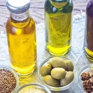 【良い油】ダイエットに効果的な油まとめ~悪い油は?糖質制限に良い油「MTCオイル」とは?