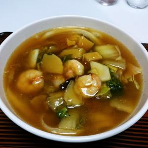 康華楼の五目刀削麺
