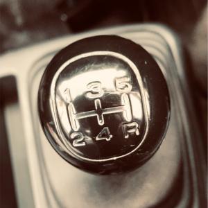 久々にマニュアル車に乗ってみた。