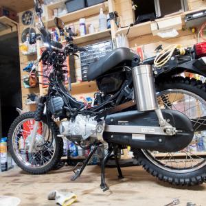 クロスカブ(JA10) スパイクタイヤに履き替え