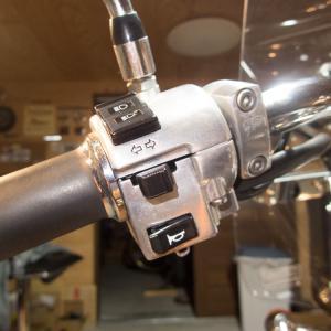 シャドウ750 ウインカースイッチの動作改善など