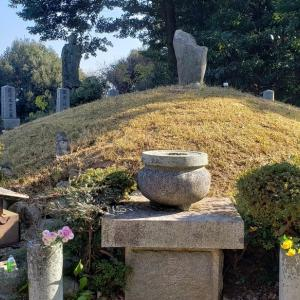 第12弾は、霊園にねむる…「ビワノクマ古墳」