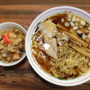 【円城@南砺市】玉ねぎ入りの甘いスープが美味しいラーメンとモツ煮が絶品!