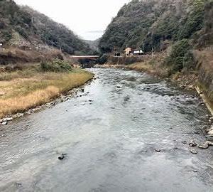 秋分の日の音立てて甲斐の川廣瀬町子