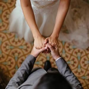 ニート期間中にマッチングアプリで知り合った男性と結婚した25歳女性の体験談