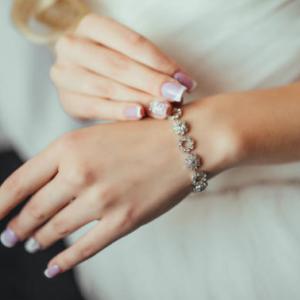 大学中退してニートになった女性がマッチングアプリで知り合った男性と結婚した体験談