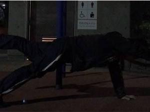 体幹トレーニング「プランク」で強靭な体幹を目指す!~片手片脚プランク~