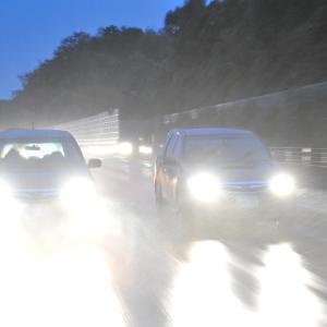 【注意】高速道路でゲリラ豪雨に遭遇した時の対処方法!