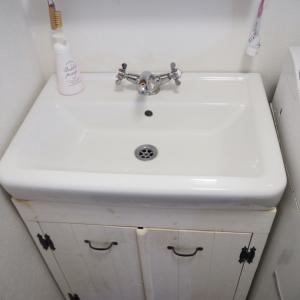 DIYで洗面台を取り替える*ビフォー&アフター
