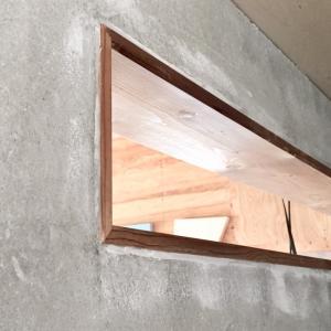 DIY室内窓、木の窓枠のマスキングテープを剝がしてみたら・・・
