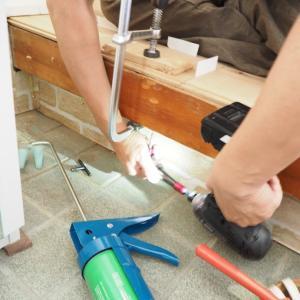 DIY道具。狭い場所でのビスうちに便利なもの【アングルドライバー・ビット】