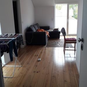 Estorilの新しいアパート入居。