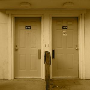 【防犯対策】見落としがちな 玄関ドアの覗き穴  簡単なカバーで安心