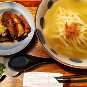 【沖縄那覇】路地裏のおしゃれな沖縄そば店「首里ほりかわ」 スープの美味いソーキそば